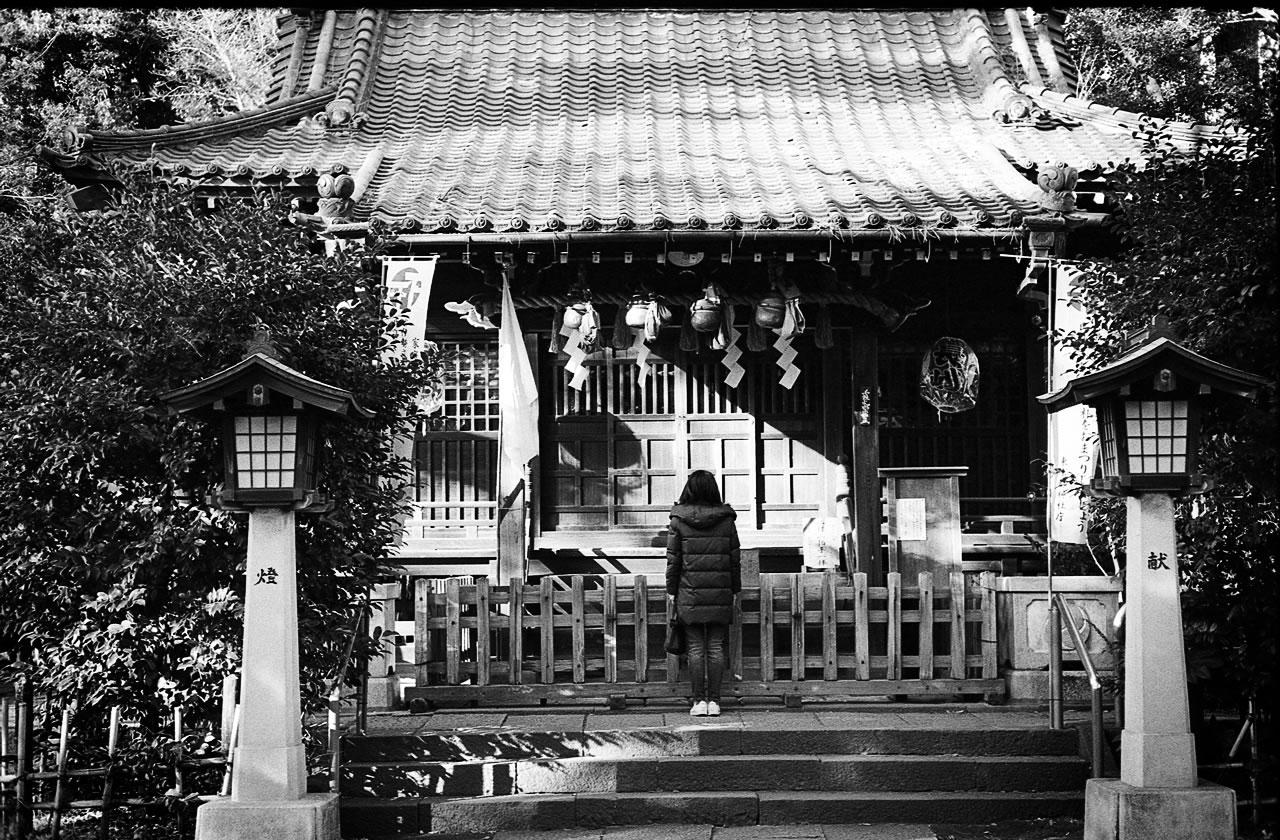 通勤に願いを Leica M3 + C Sonnar T* 1.5/50 ZM + KODAK PROFESSIONAL TRI-X