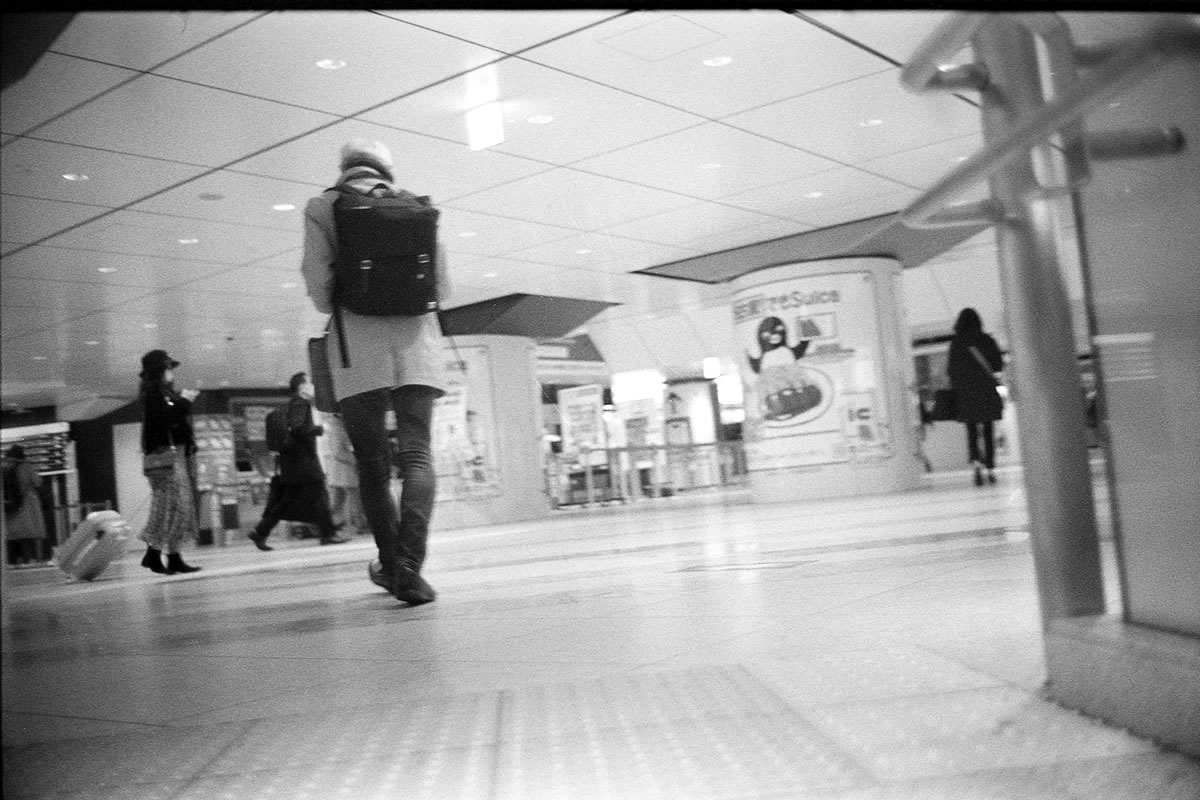 早朝の東京駅 LEICA M5 + SUMMILUX 35mm F1.4 + Kodak TRI-X 400