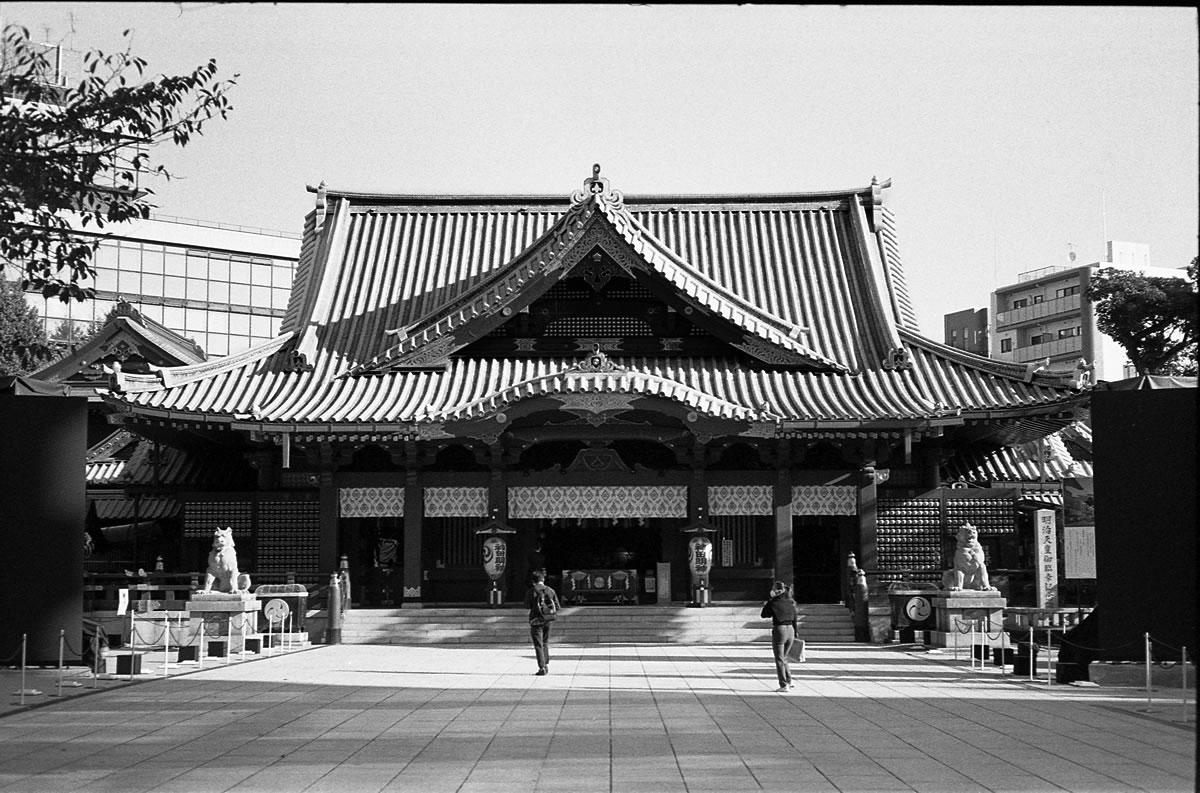 神田明神|LEICA M5 + C Sonnar 50mm F1.5 + Kodak TRI-X 400