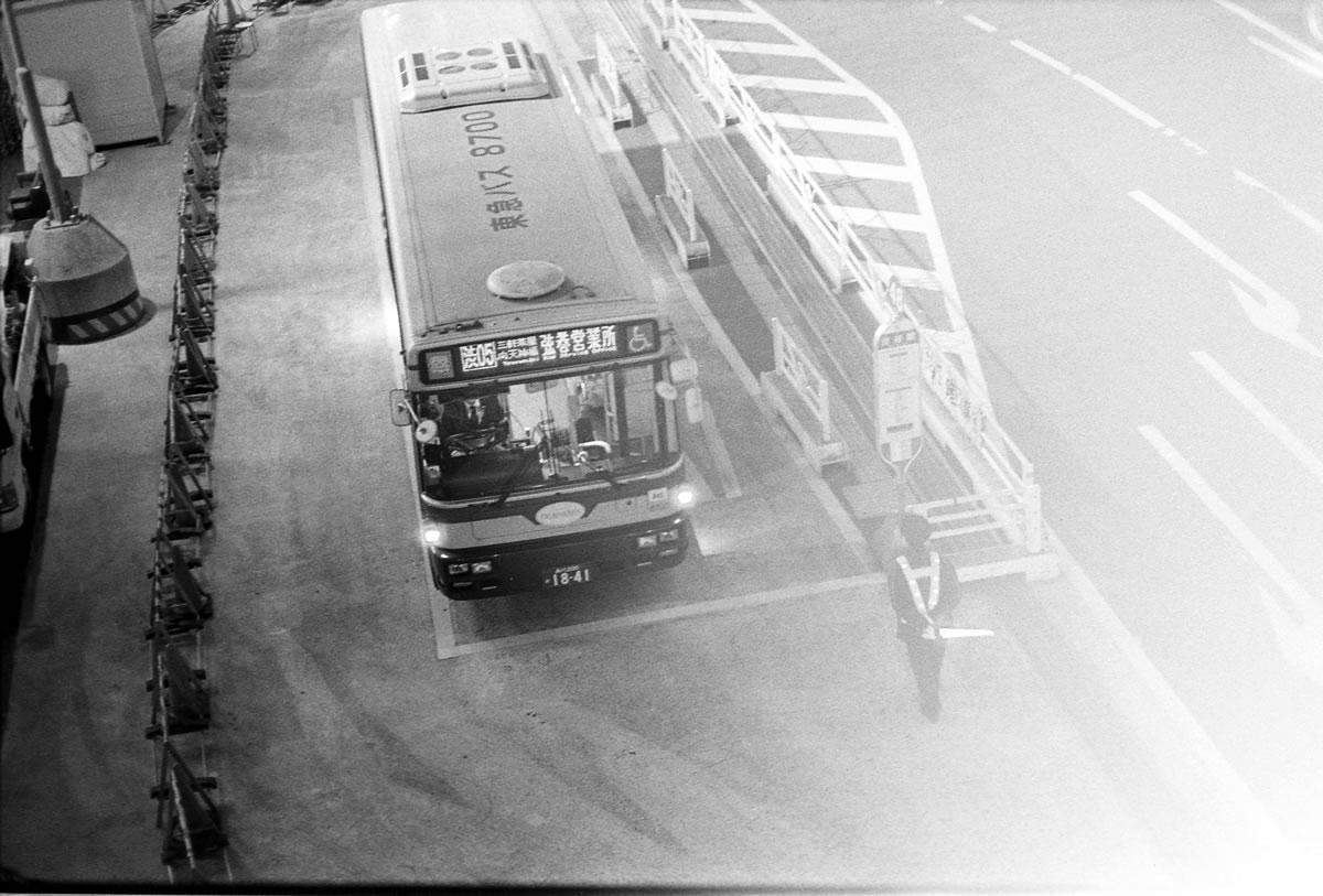 現像前にタンクの蓋を開ける痛恨のミス|LEICA M5 + C Sonnar 50mm F1.5 + Kodak TRI-X 400