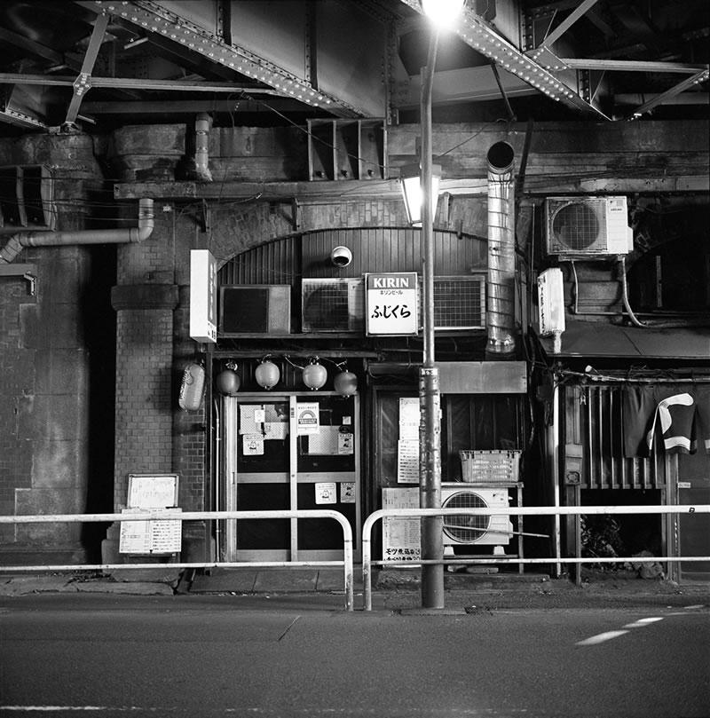 ローライ片手に東京散歩|ROLLEIFLEX 2.8F + Kodak TRI-X 400