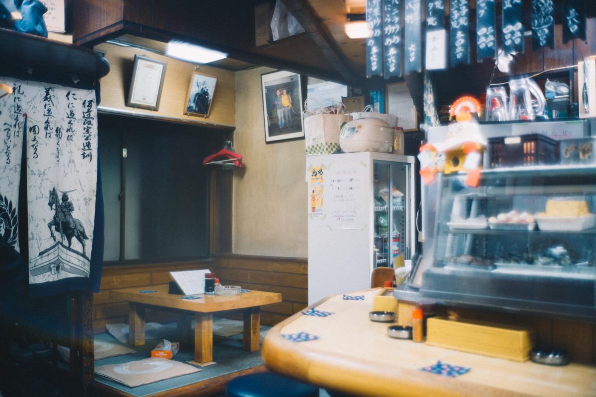 とん八の店内|Leica M10 + Summilux 35mm f1.4