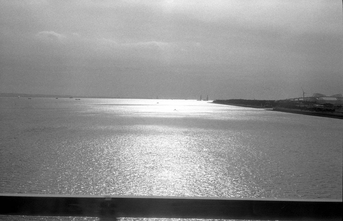 葛西臨海公園を越えて|Leica M3 + C Sonnar T* 1.5/50 ZM + Fujifilm Neopan 400 Presto