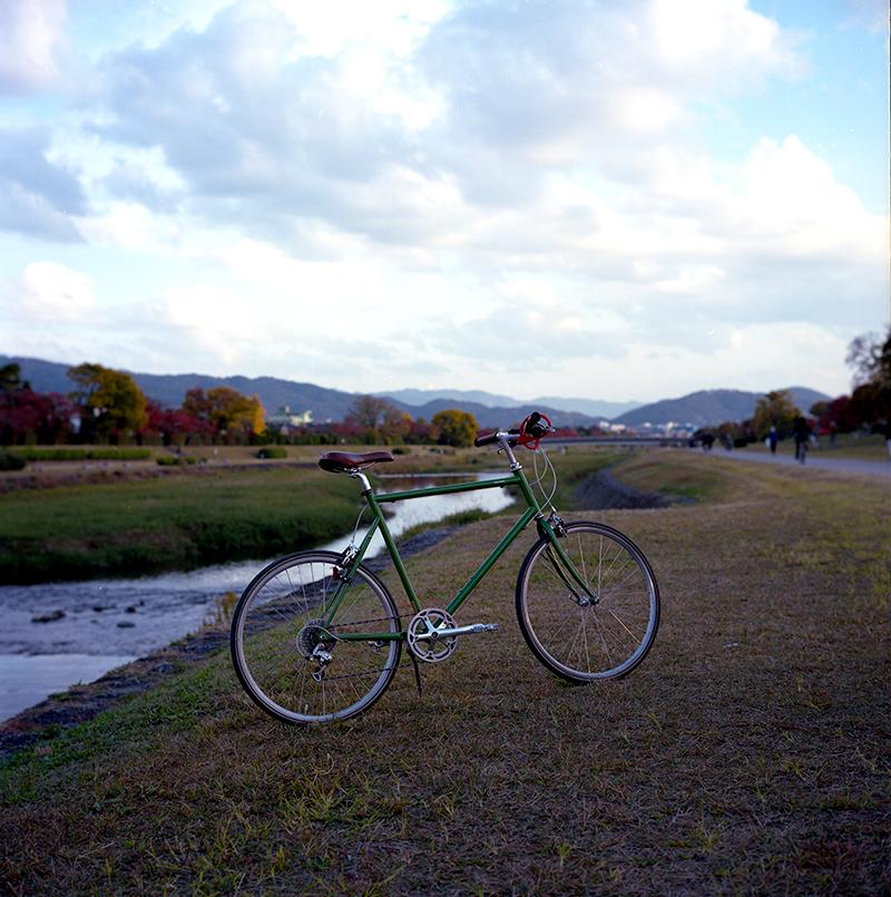 京都の移動はレンタル自転車が便利|ROLLEIFLEX 2.8F + KODAK PORTRA 160