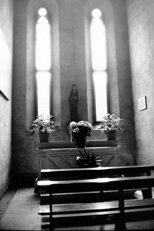 フィレンツェの教会にて|Leica M5 + Canon 35mm F1.5