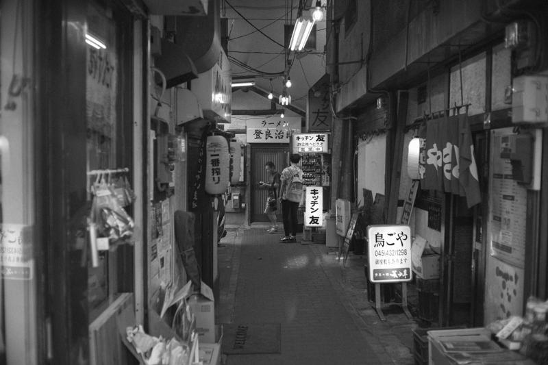 昭和な香りの六角橋商店街