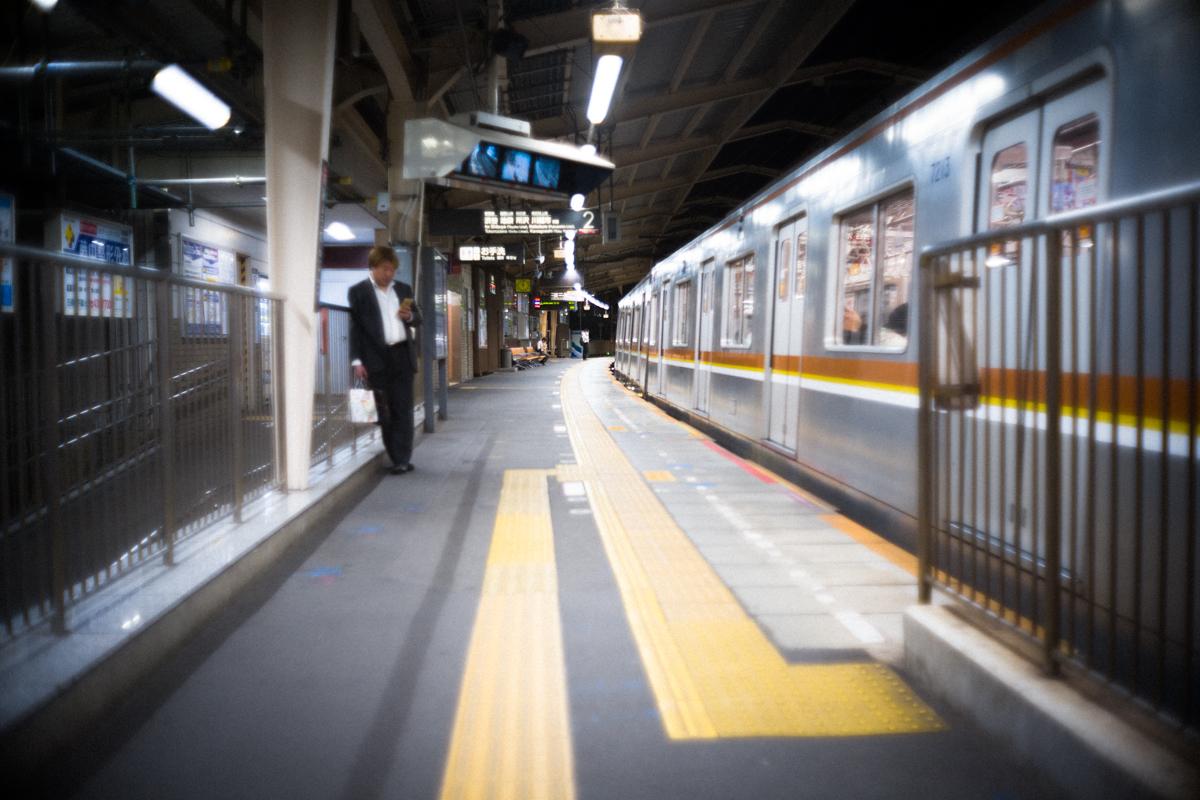 東急東横線で池袋へ|Leica M10 + Canon 35mm F1.5