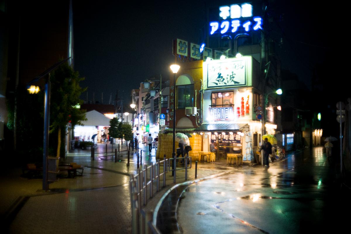 レトロな雰囲気漂う椎名町の駅前|Leica M10 + Canon 35mm F1.5