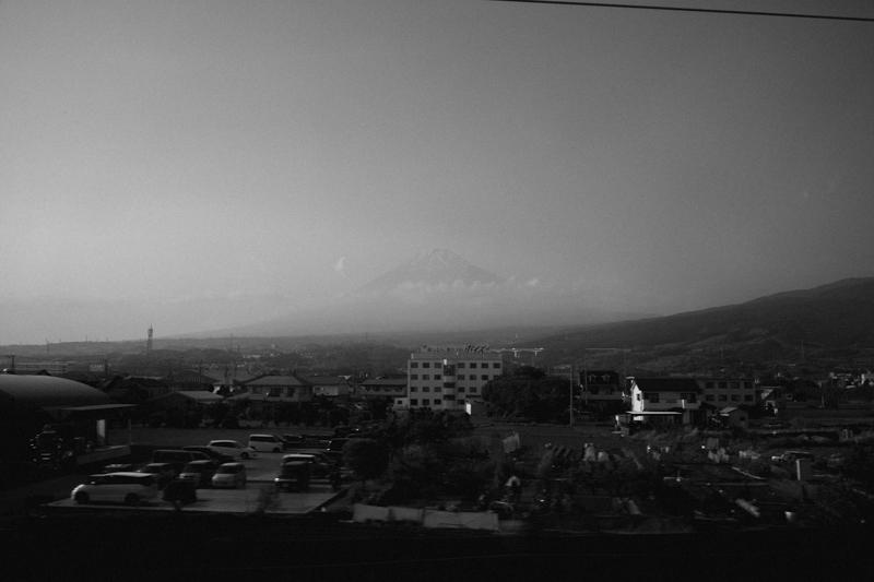 新幹線から富士山をライカM10で