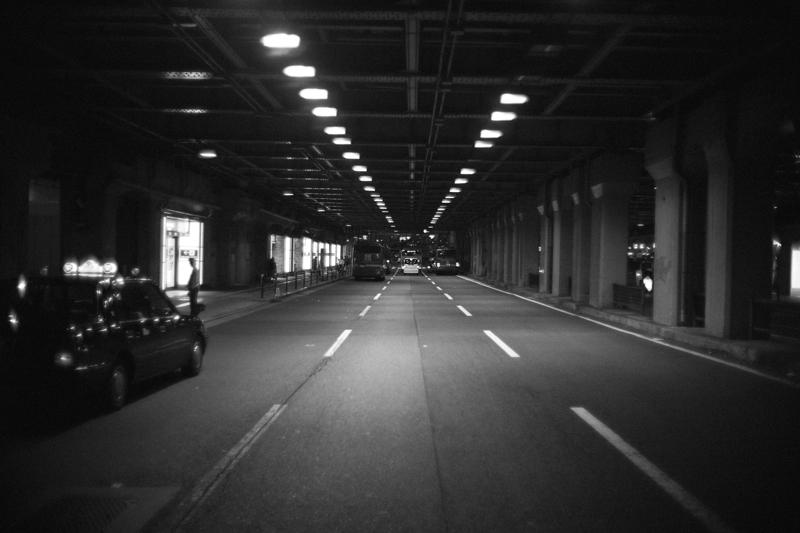 大阪駅そばのガード下