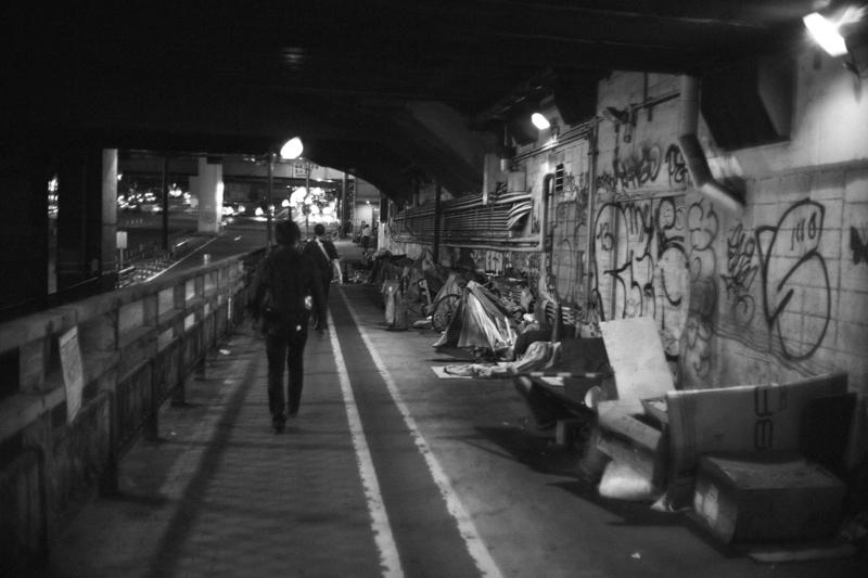 渋谷駅すぐ横はちょっとスラム
