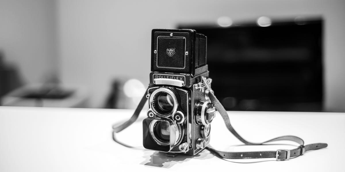 ローライフレックス2.8Fのフィルムに悩む|Leica M10 Monochrome + C Sonnar T* 1.5/50 ZM