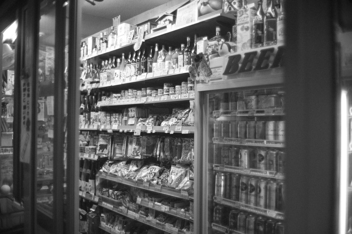ズラリと並んだお菓子|Leica M10 + Canon 35mm F1.5
