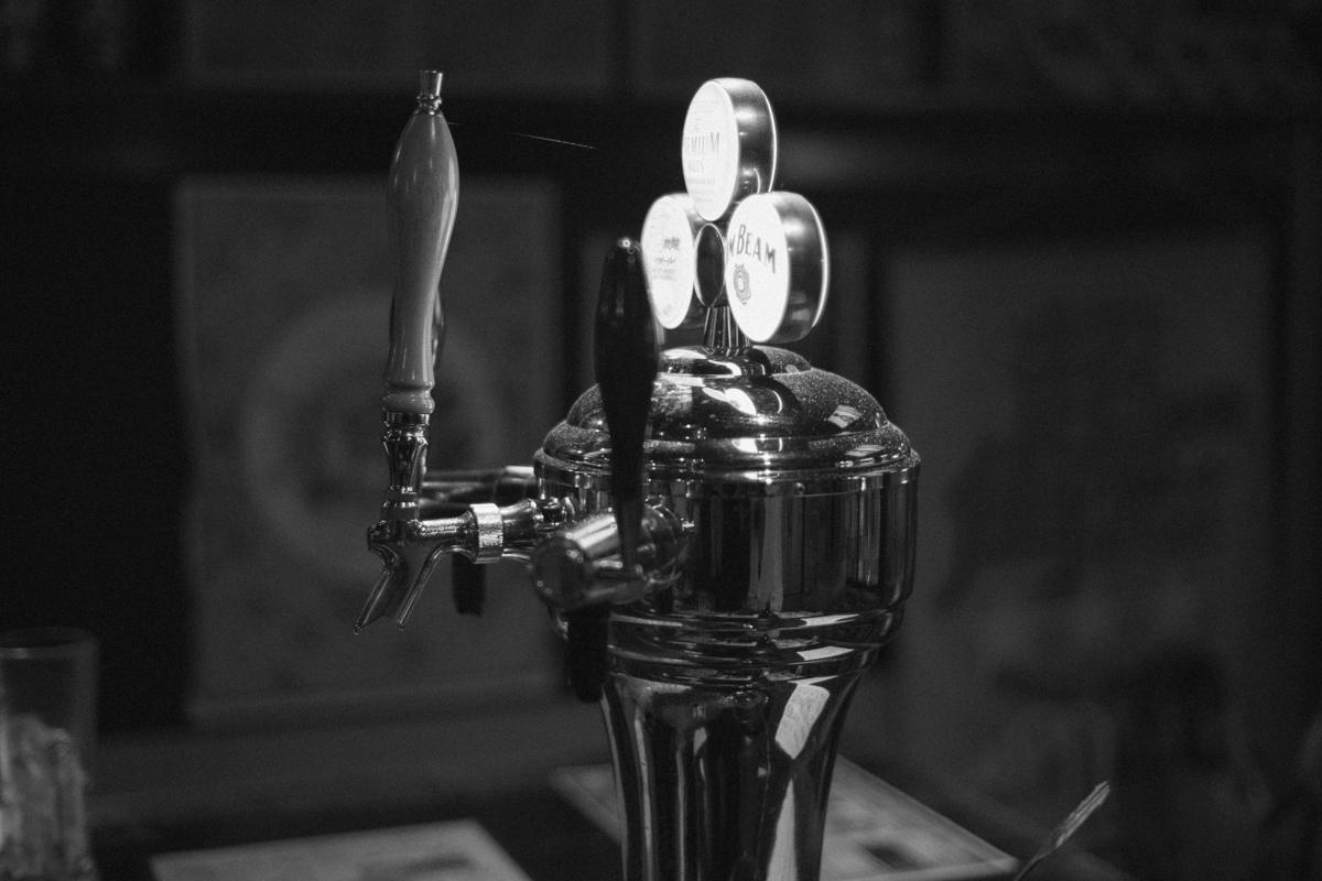 サーバもオシャレ|Leica M10 + C Sonnar T* 1.5/50 ZM