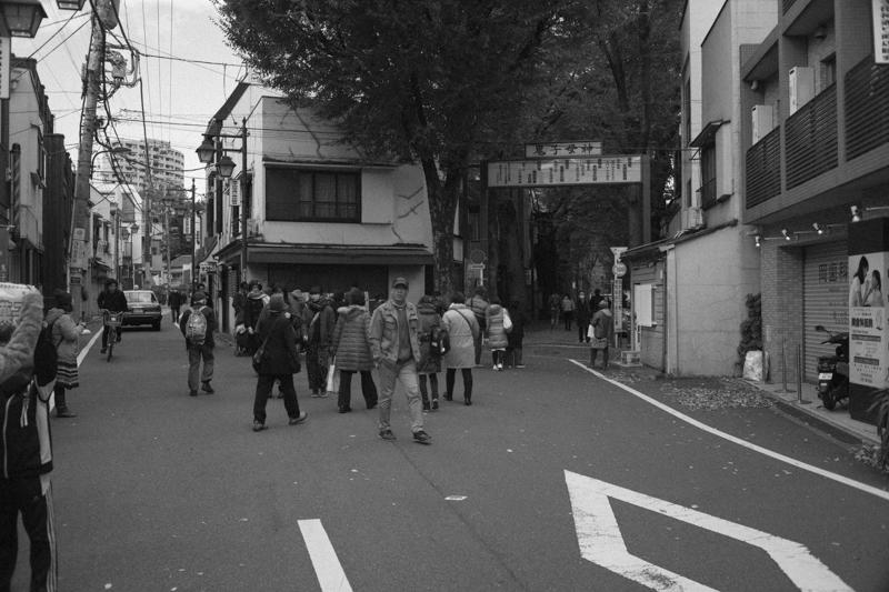 鬼子母神の参道|Leica M10 + Canon 35mm F1.5