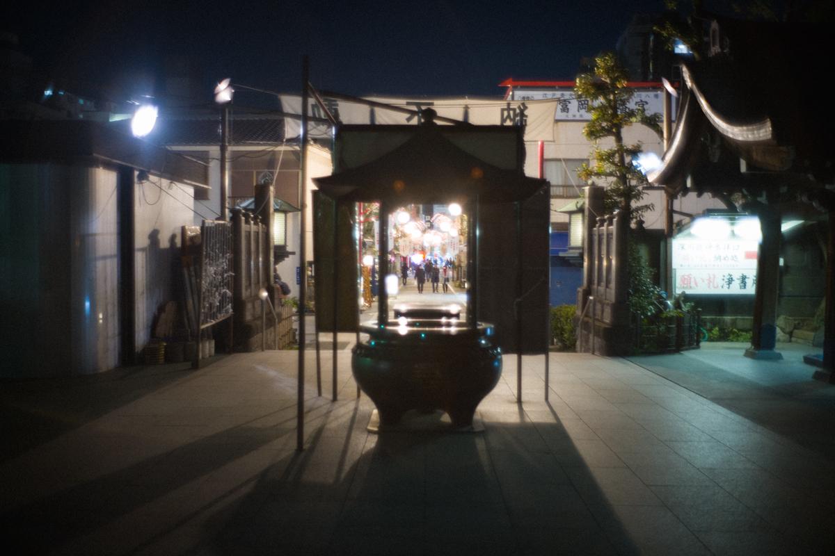 深川不動尊の本堂から参道方面|Leica M10 + Summilux 35mm F1.4