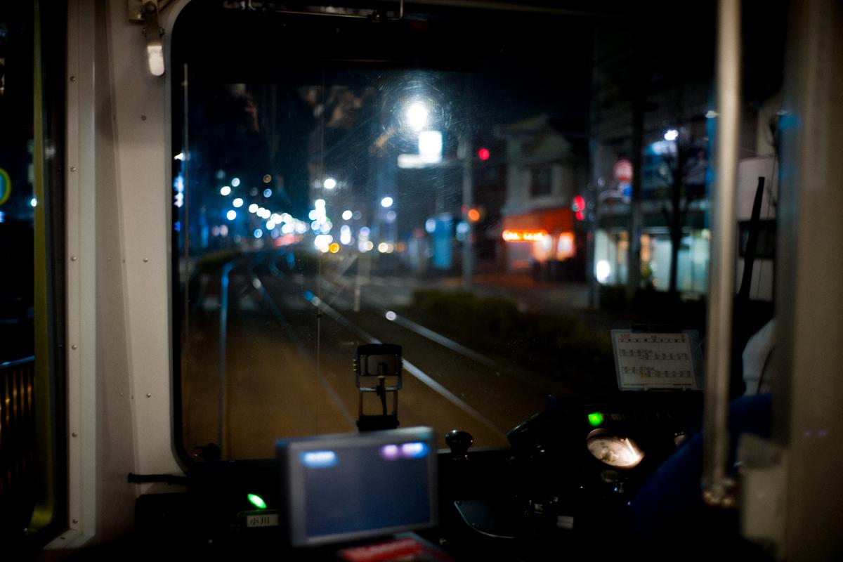 さくらトラムの車窓|Leica M10 + Summilux 35mm F1.4