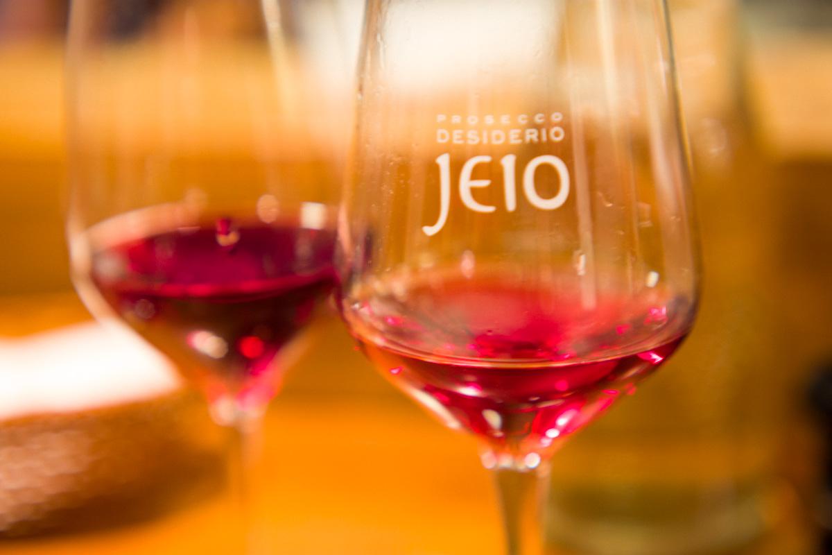赤ワインも当然日本ワイン|Leica M10 + C Sonnar T* 1.5/50 ZM