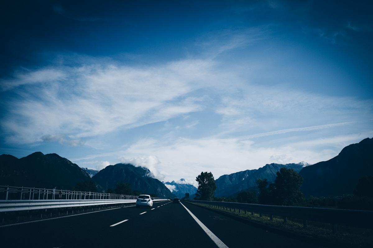 オヴァーロへ向かう高速にて|Leica M10 + Summilux 35mm f1.4