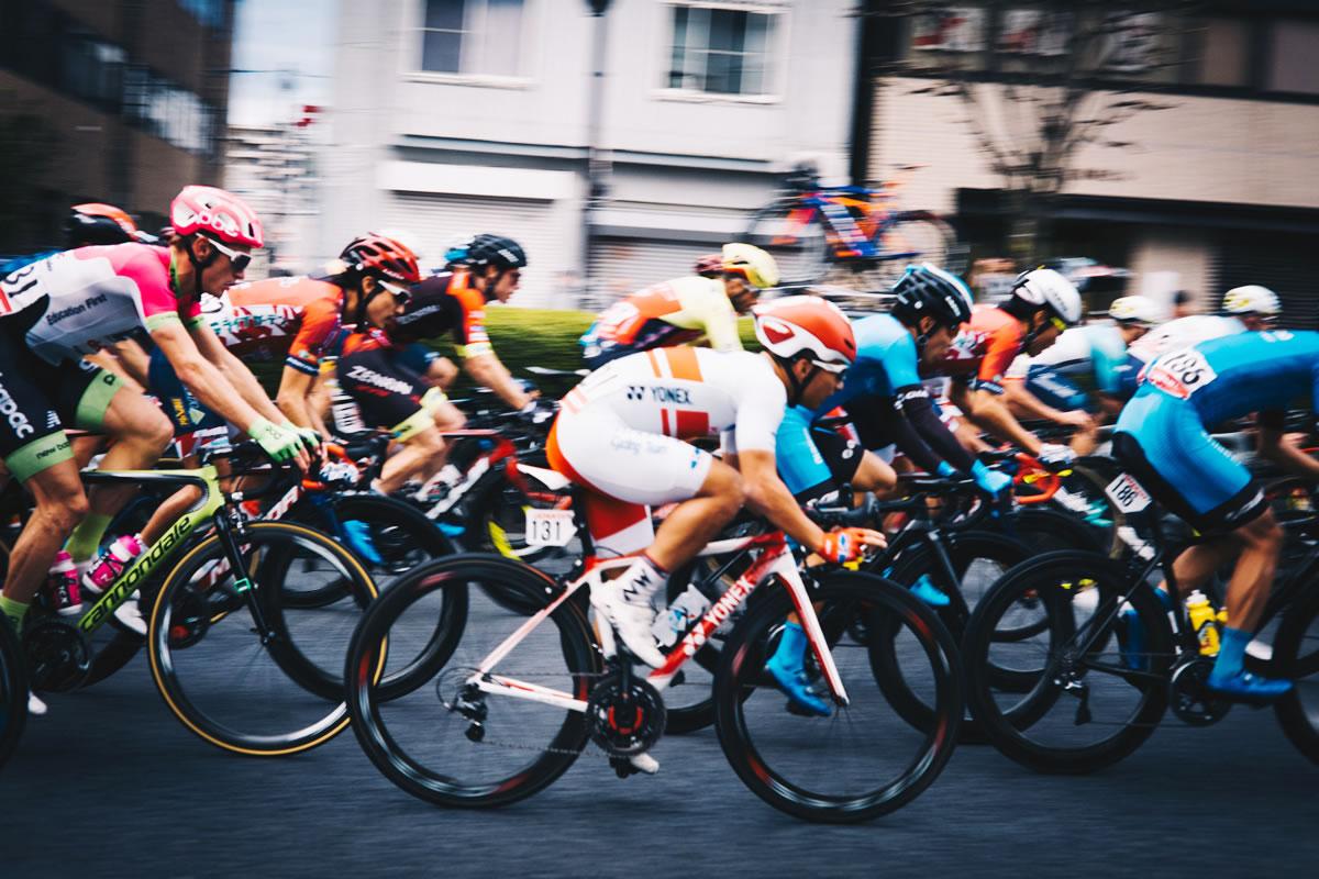白と赤のジャージの選手は全日本選手権で優勝した山本元気選手|Leica M10 + C Sonnar T* 1.5/50 ZM