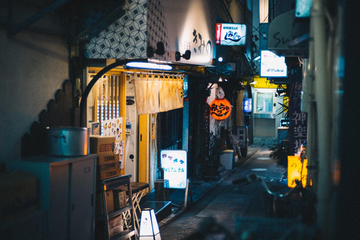 神楽坂の裏路地も面白そう|Leica M10 + C Sonnar T* 1.5/50 ZM
