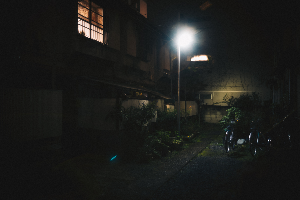 そもそも写真は夜しか撮らない|Leica M10 + Summilux 35mm f1.4