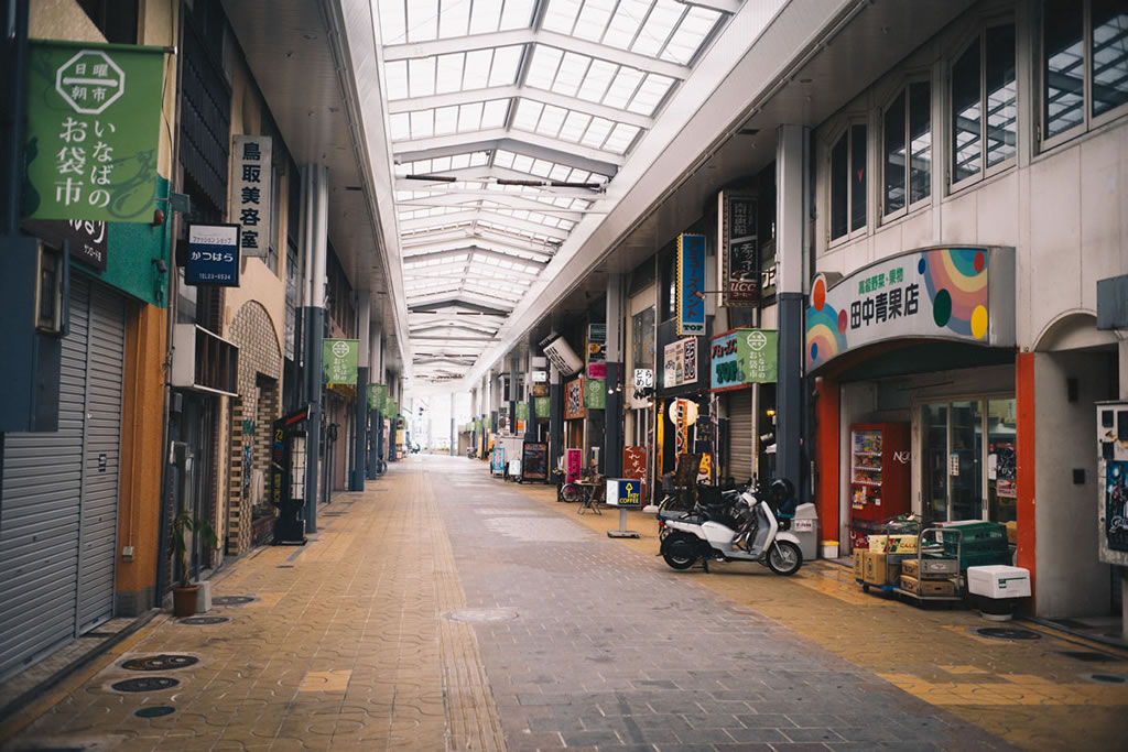 朝の鳥取商店街|Leica M10 + Summilux 35mm f1.4