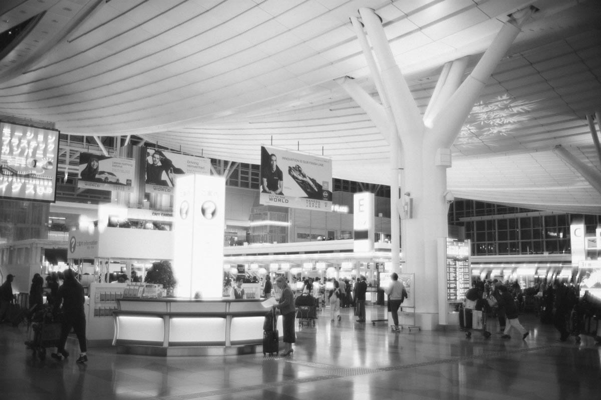 羽田空港発深夜便|Leica M10 + Summilux 35mm f1.4
