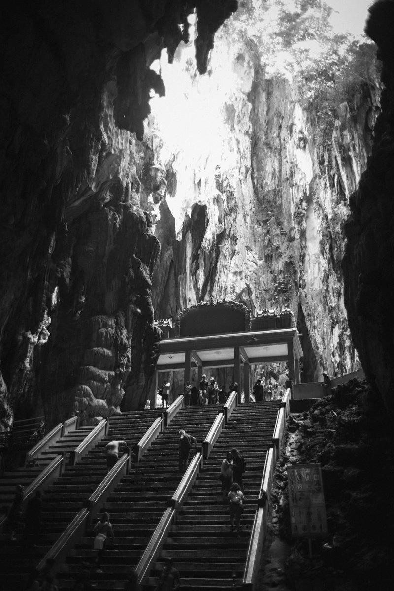 鍾乳洞の奥にさらに寺院が|Leica M10 + Summilux 35mm f1.4