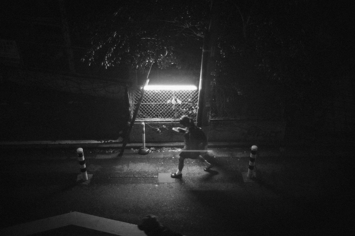桜丘町から消える人影|Leica M10 + Summilux 35mm f1.4