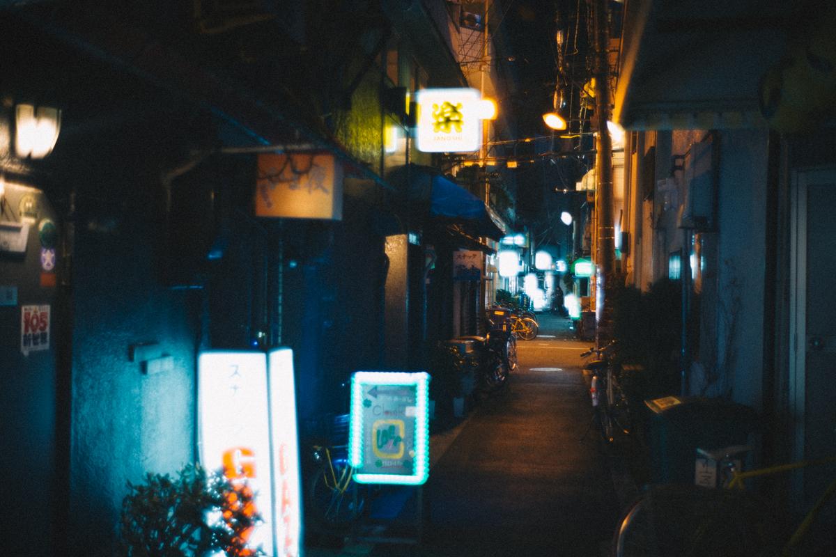 日本橋の裏路地|Leica M10 + Summilux 35mm f1.4