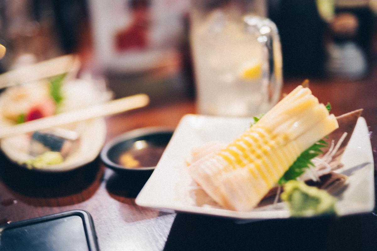 立ち飲みでこのクオリティの筍を食べられるとは|Leica M10 + C Sonnar T 1.5/50 ZM