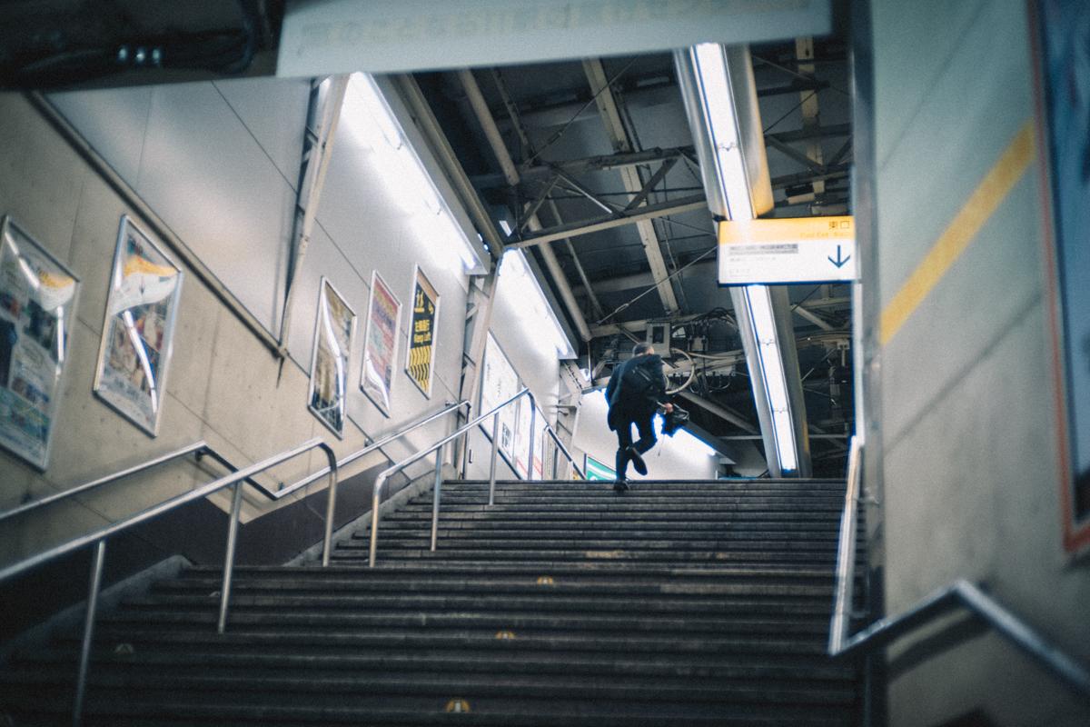 水道橋駅の改札から|Leica M10 + C Sonnar T 1.5/50 ZM