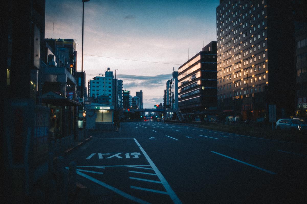 食後は薄暮の巣鴨の町へ|Leica M10 + Summilux 35mm f1.4