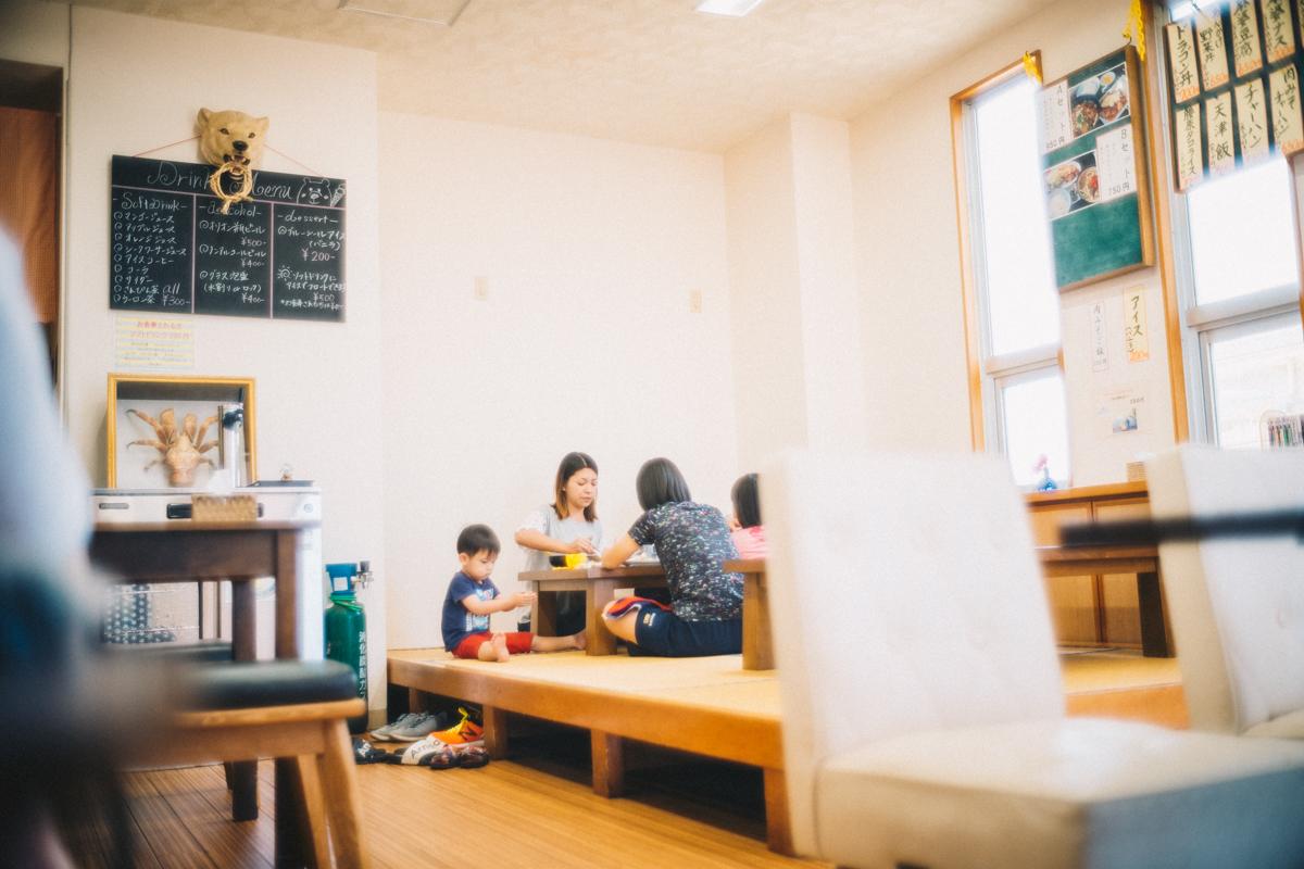 腰原食堂の店内|Leica M10 + Summilux 35mm f1.4