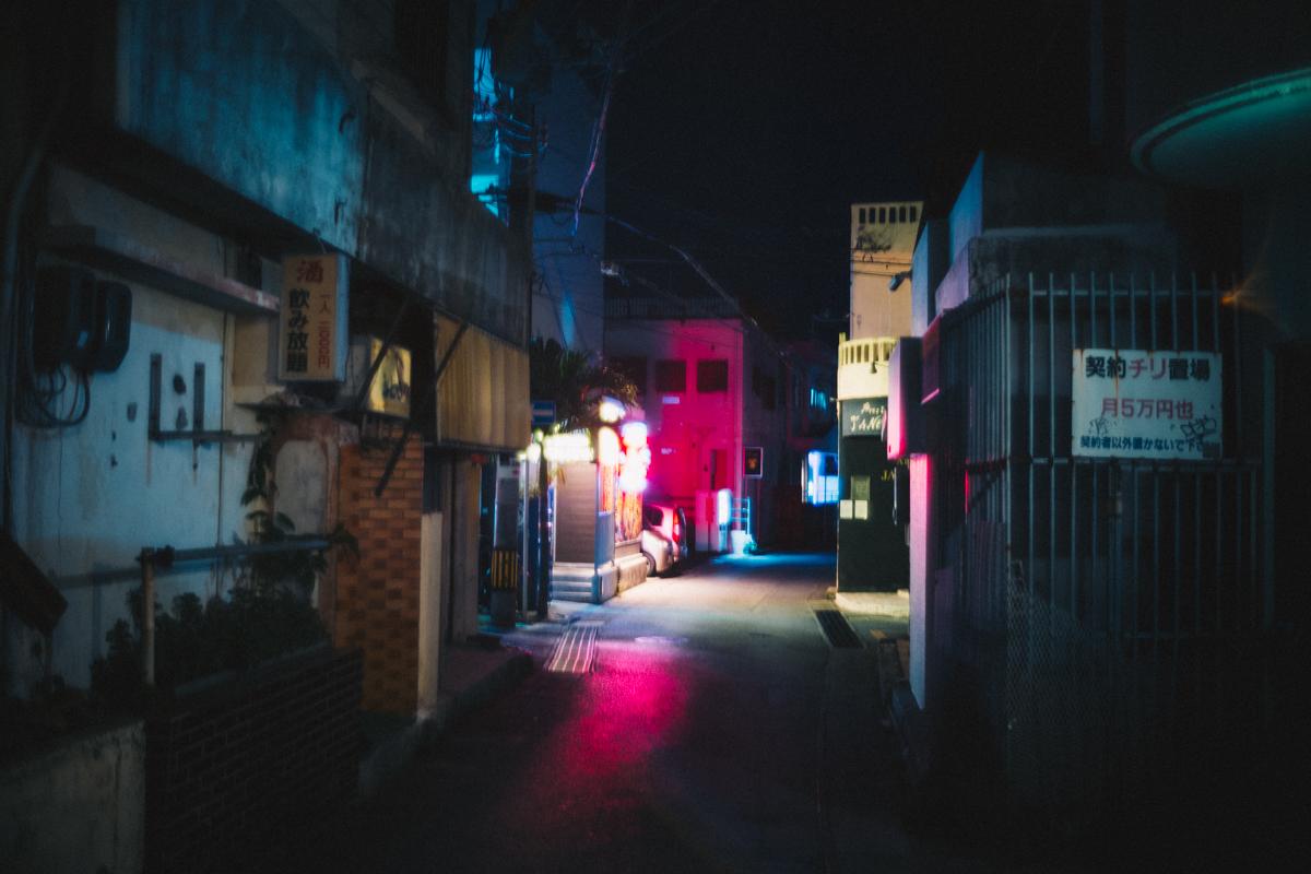 宮古島の夜の街|Leica M10 + Summilux 35mm f1.4