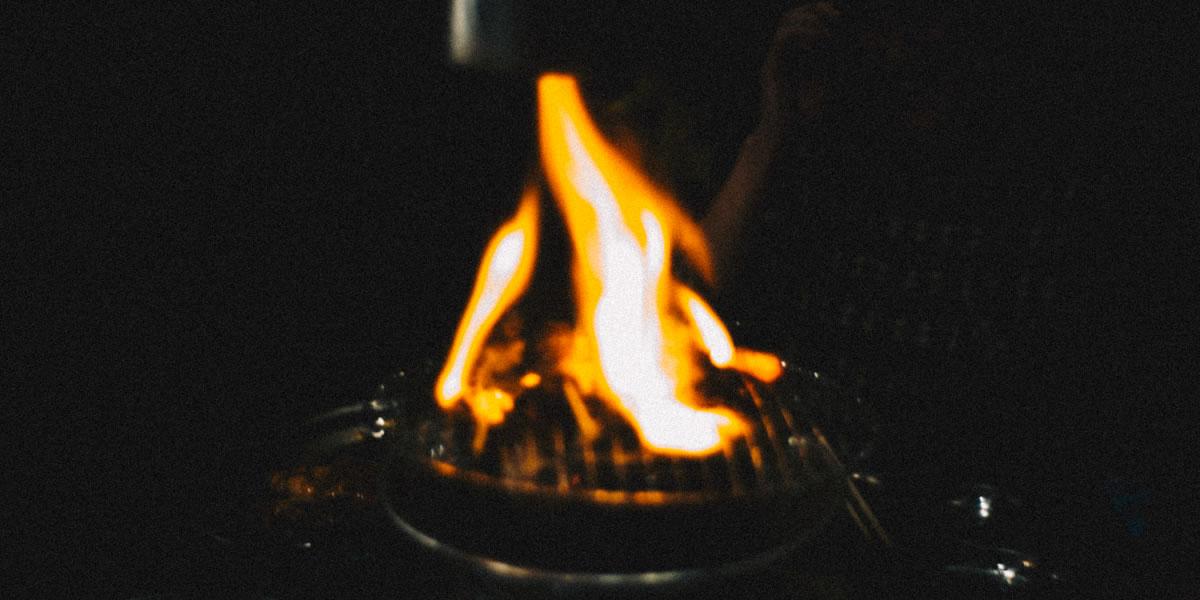 写欲は燃えているか? 巣鴨、ホルモン二郎にて|Leica M10 + Summilux 35mm f1.4