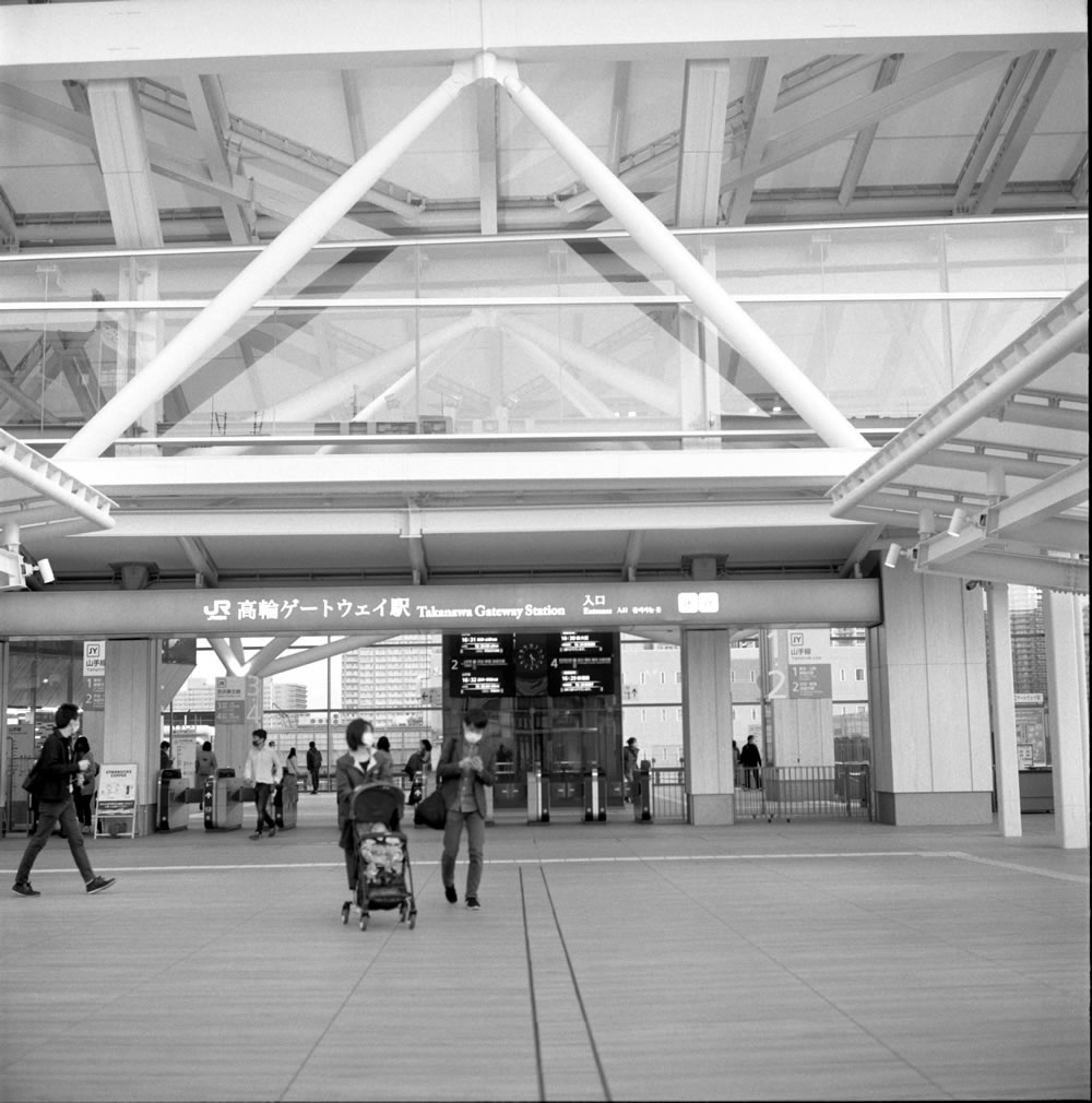 出来たばかりの高輪ゲートウェイ駅に行ってみた ROLLEIFLEX 2.8F + ILFORD HP5 PLUS