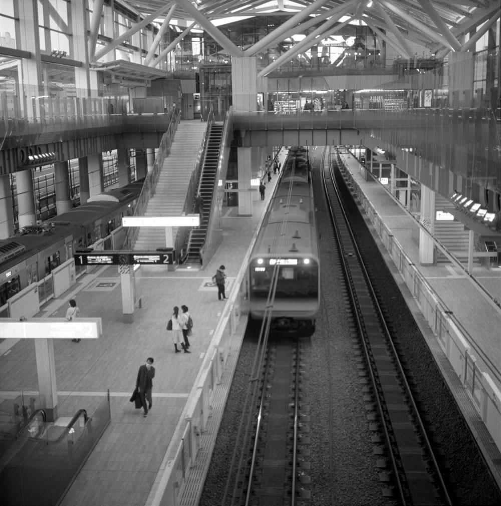 高輪ゲートウェイ駅の本開業は2024年だそうな ROLLEIFLEX 2.8F + ILFORD HP5 PLUS
