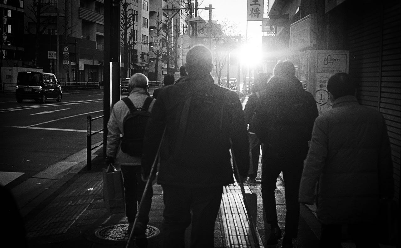 通勤に光を Leica M3 + C Sonnar T* 1.5/50 ZM + KODAK PROFESSIONAL TRI-X