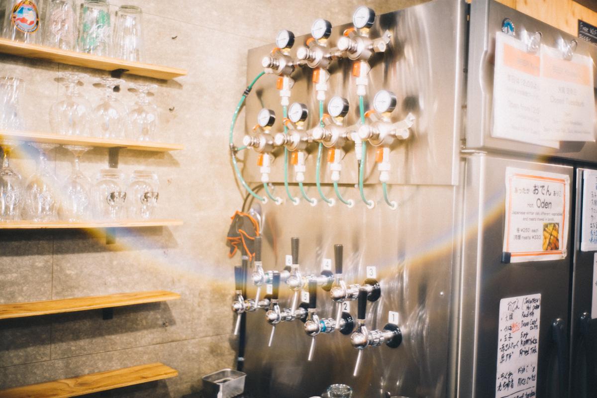 地ビール屋さん。種類がいっぱい|Leica M10 + Summilux 35mm f1.4